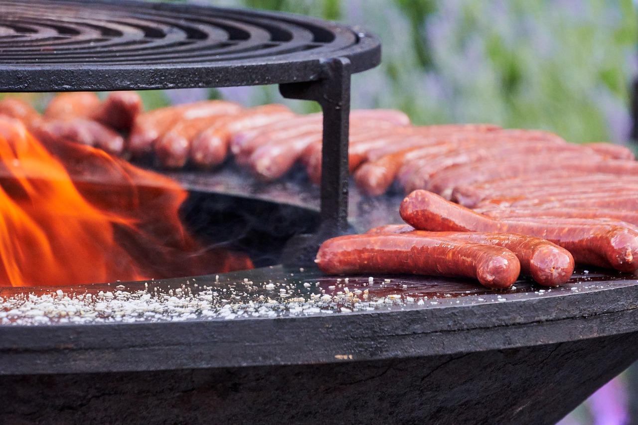 Feuerschale Feuer Glut Grillen Bratwurst
