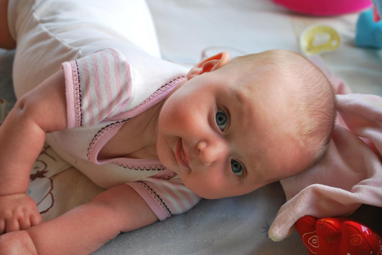Baby Neugeborenes Body Wickeln