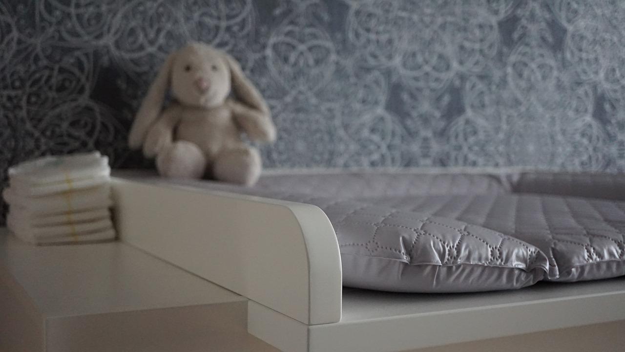 Baby Wickeltisch Wickelunterlage Stofftier Kinderzimmer