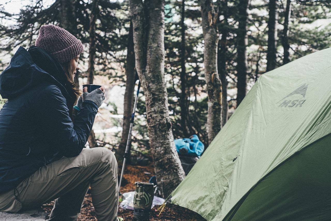 Camping Campingbedarf Campingzubehör Frau