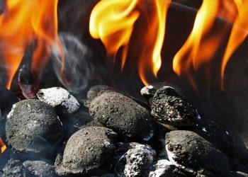 Anzündkamin klein (Top 3) | Mini Kohleanzünder für Grill & Kamin
