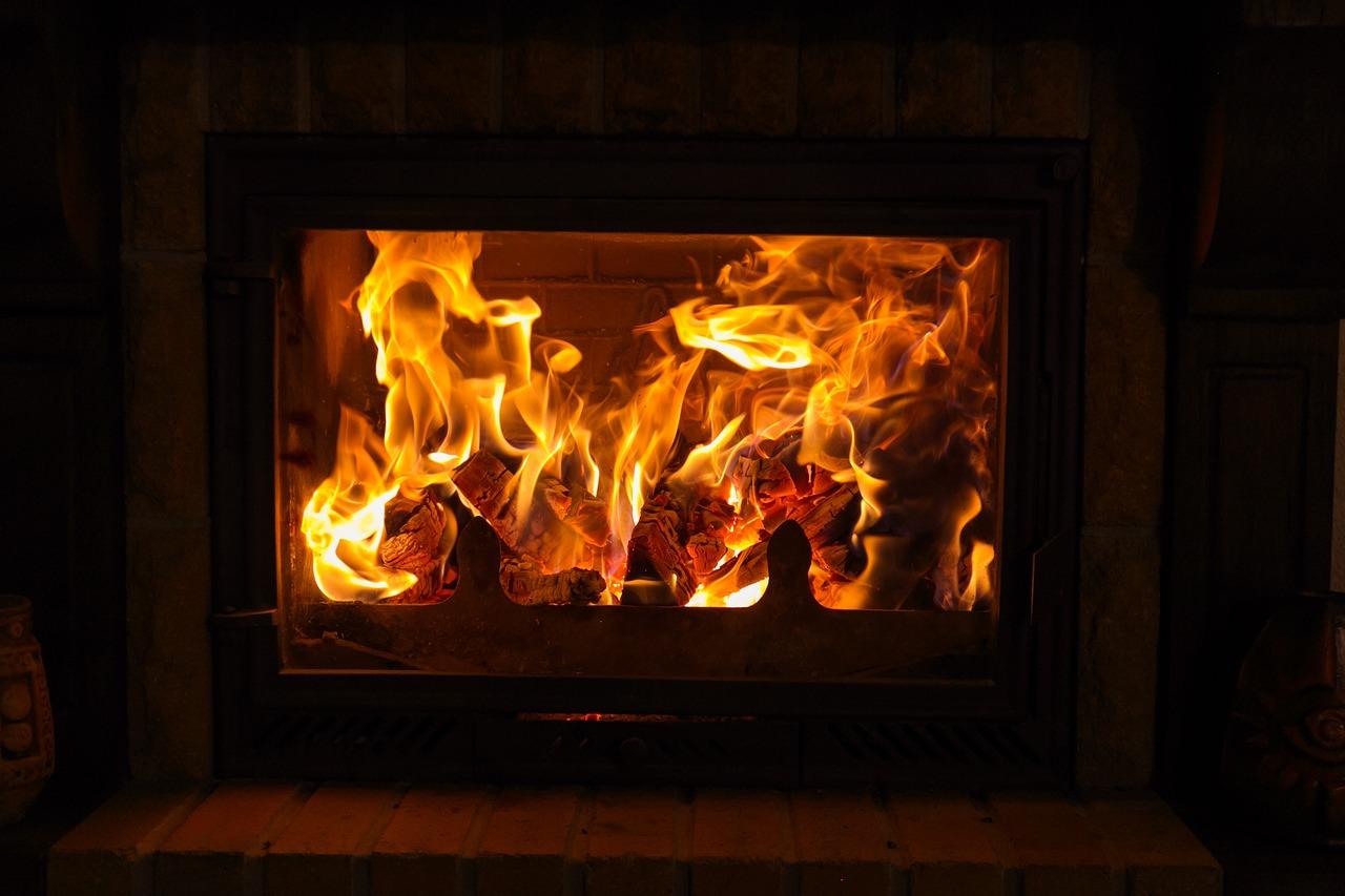 Feuer Kamin Flammen Gemütlichkeit