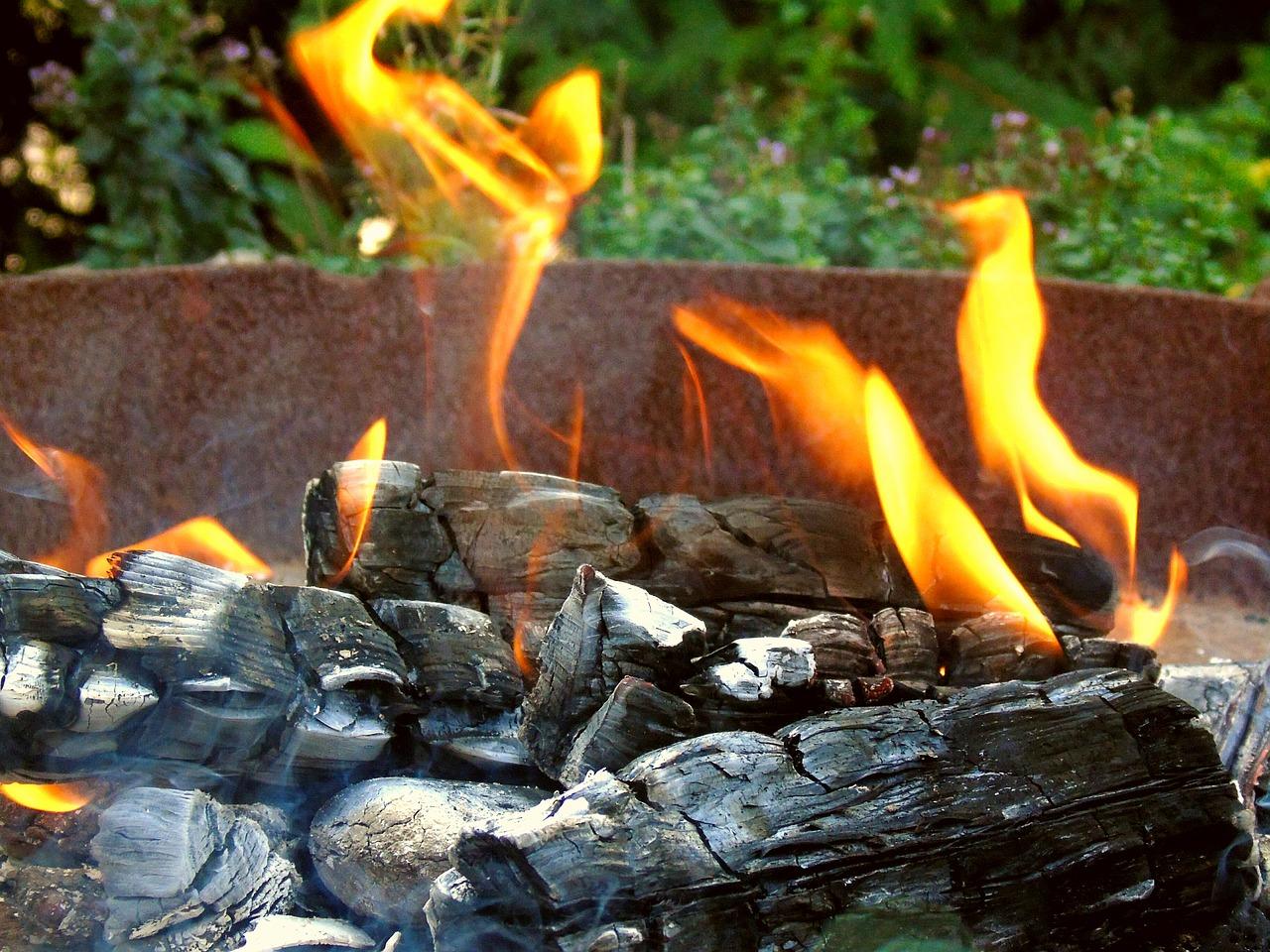 Feuerschale Feuer Flammen Garten Hitze