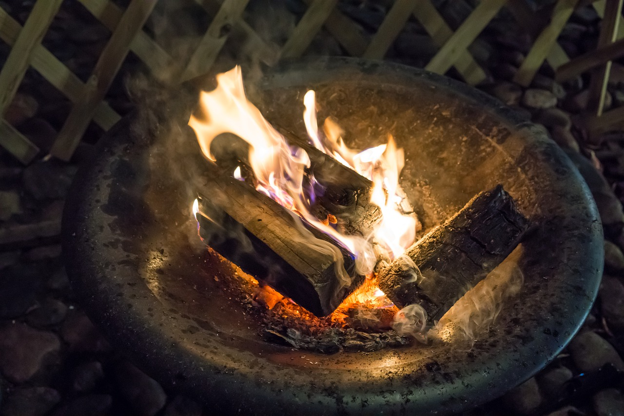 Feuerschale Feuer Holz Hitze