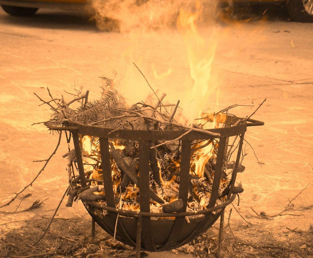 Feuerstelle Feuerschale Feuerkorb Feuer Holz