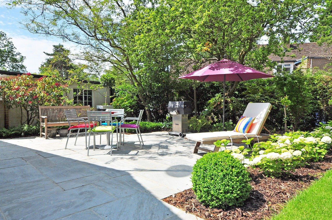 Garten Grünfläche Sitzgruppe Liegestuhl