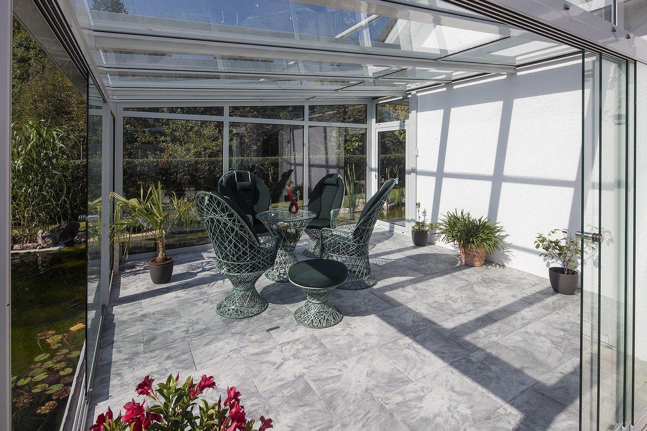 Garten Wintergarten Lounge Pflanzen Glasscheiben