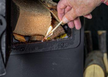 Grillkamin anzünden (Anleitung) | Kamin richtig anfeuern