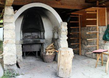 Gartenkamin aus Stein | Kamin aus Naturstein & Grillkamin