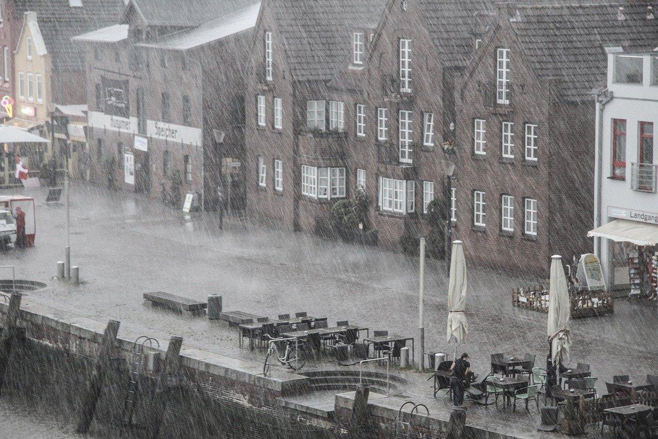 Regen Sturm Schlechtes Wetter Niederschlag Stadt Innenstadt