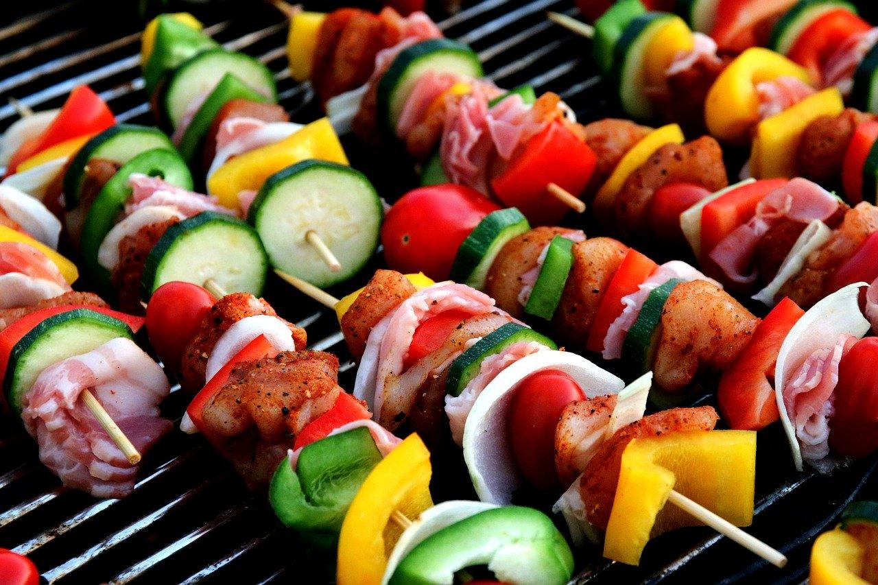 Schaschlik Gemüse Fleisch Spieße Grillen Grillrost