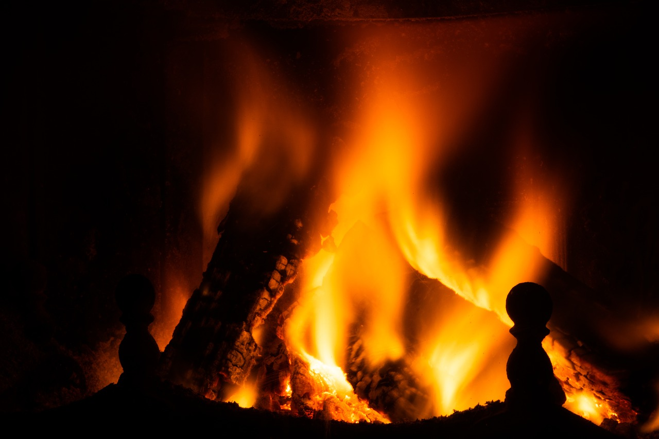 Feuer Flammen Hitze Glut Grillen Kamin