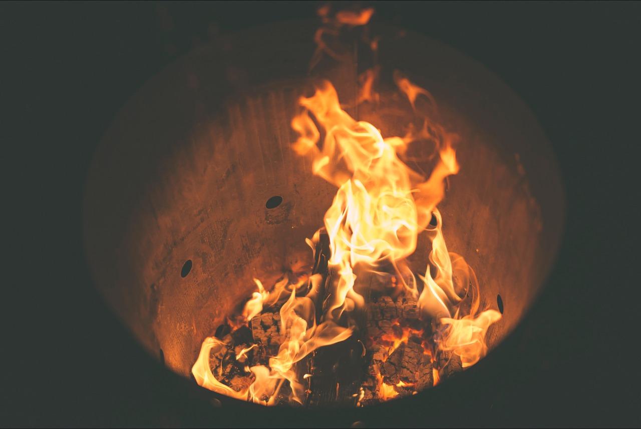 Feuer Flammen Hitze Wärme Feuerstelle