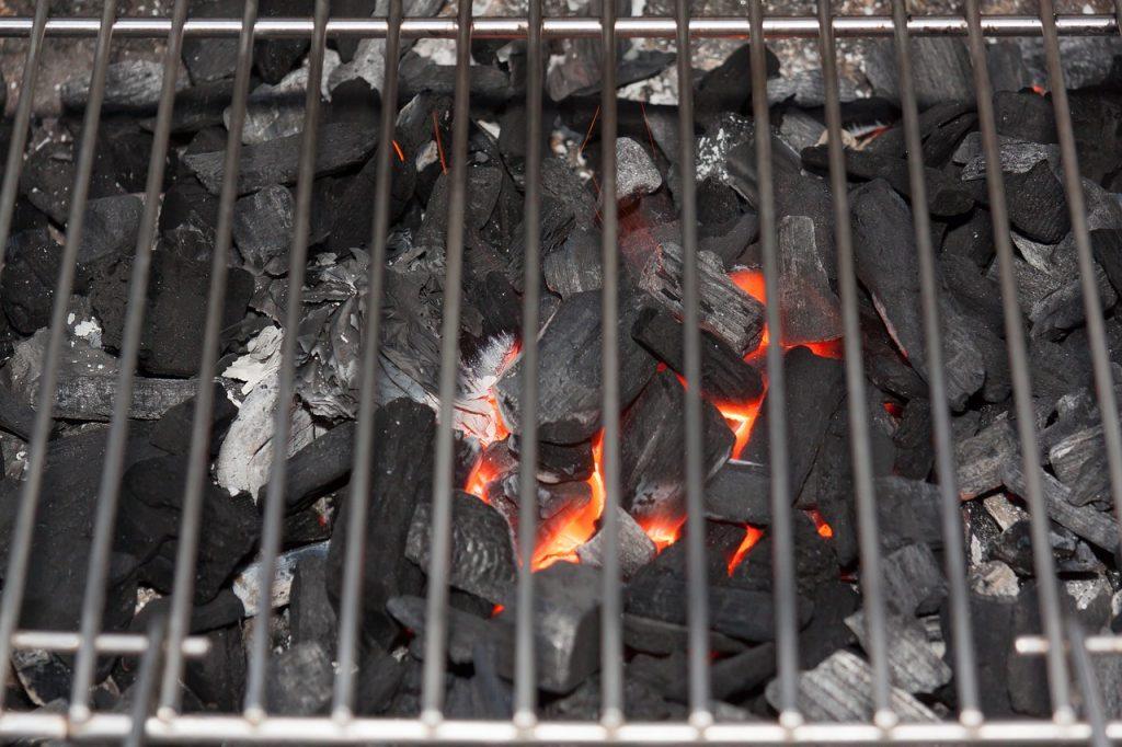 Grillanzünder Kohleanzünder Glut Grillrost