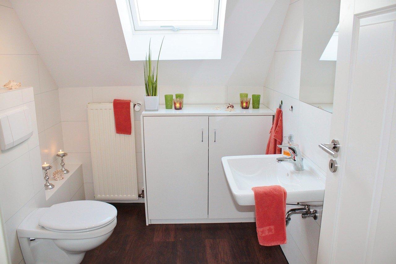 Bad Badezimmer WC Gästebad Toilette Waschbecken
