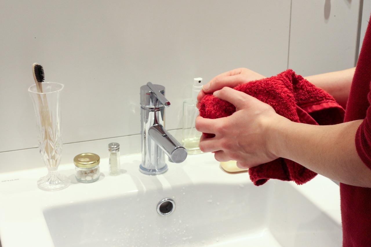 Bad Badzimmer Hände waschen Handtuch Seife Waschbecken