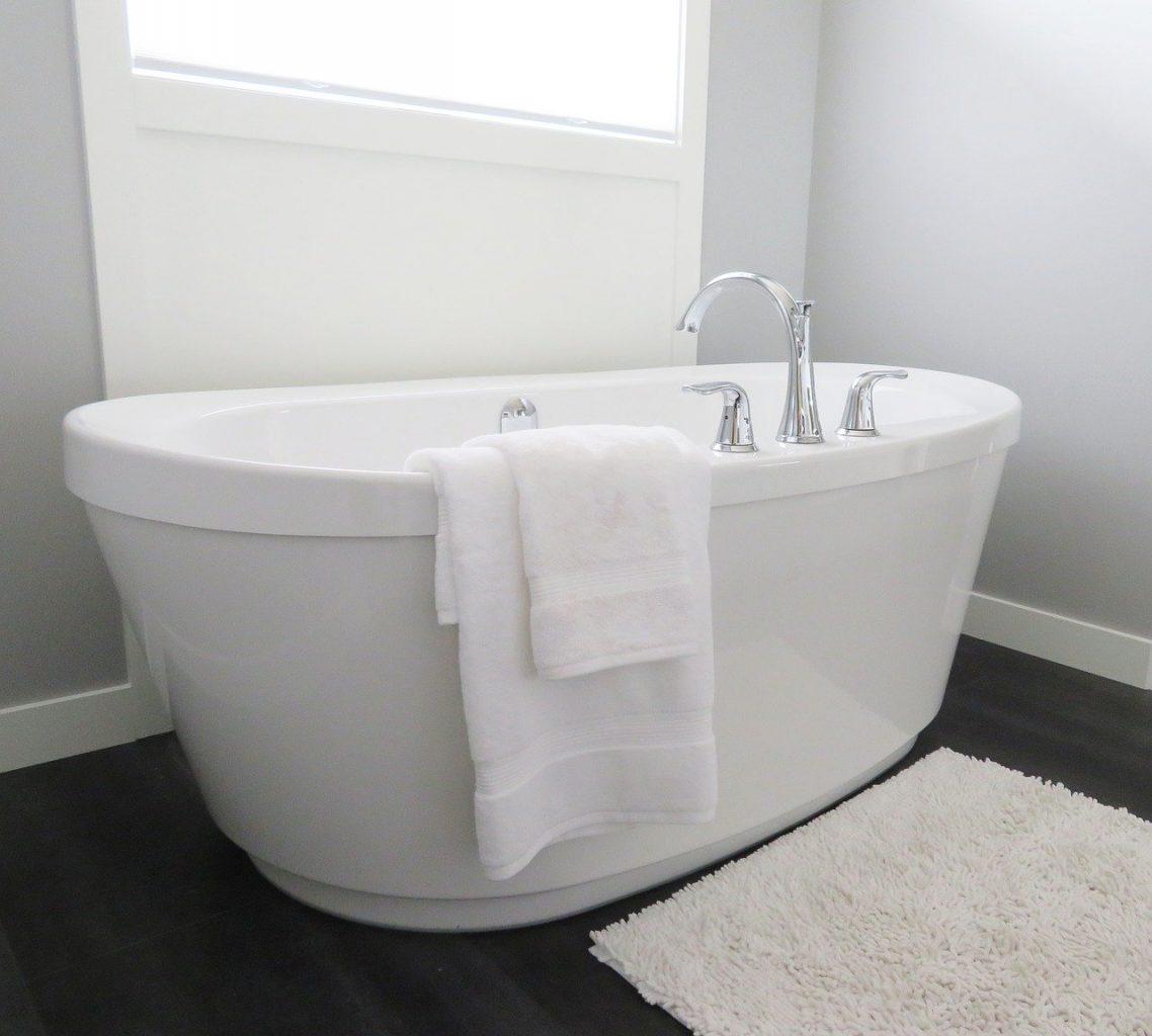 Badezimmer Badewanne Handtuch