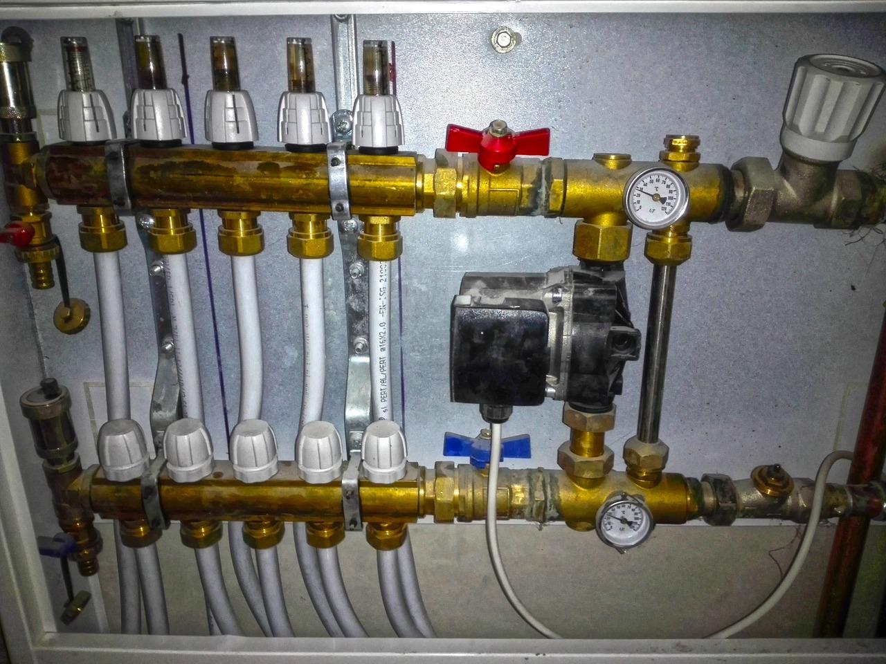 Heizung Fussbodenheizung Teiler Ventil Rohre