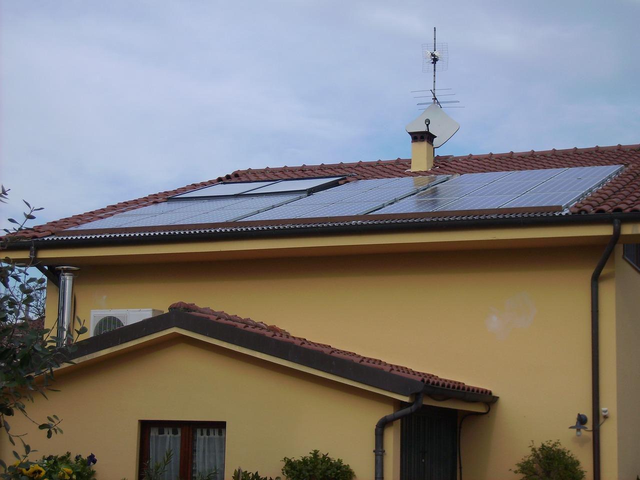 Solarenergie Solarplatte Dach Solarthermie