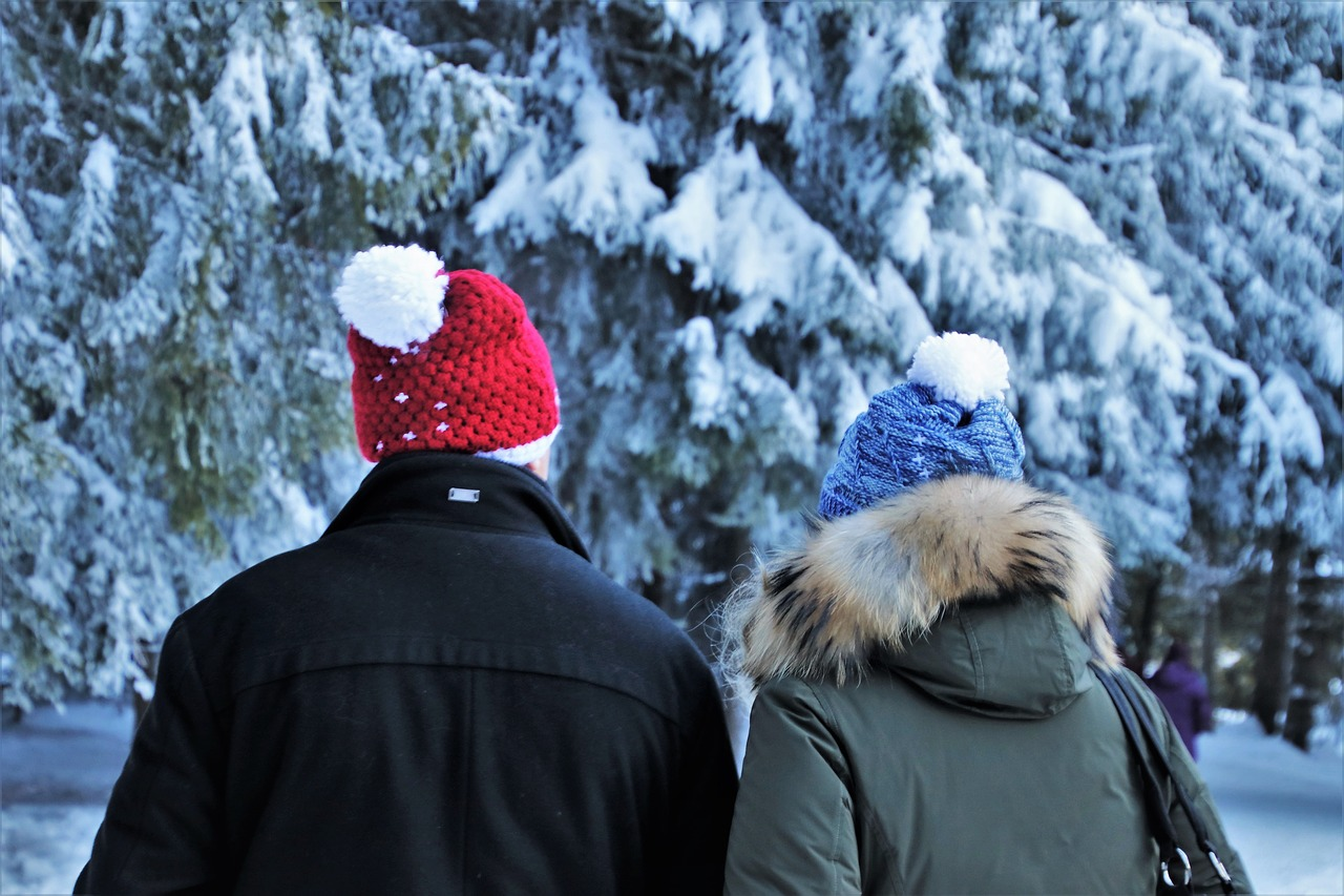 Winter Schnee Kälte Paar Spaziergang