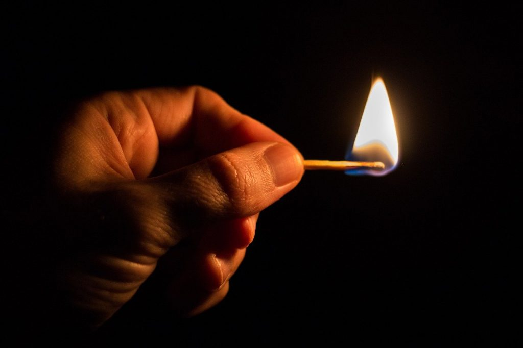 Flamme Feuer Streicholz