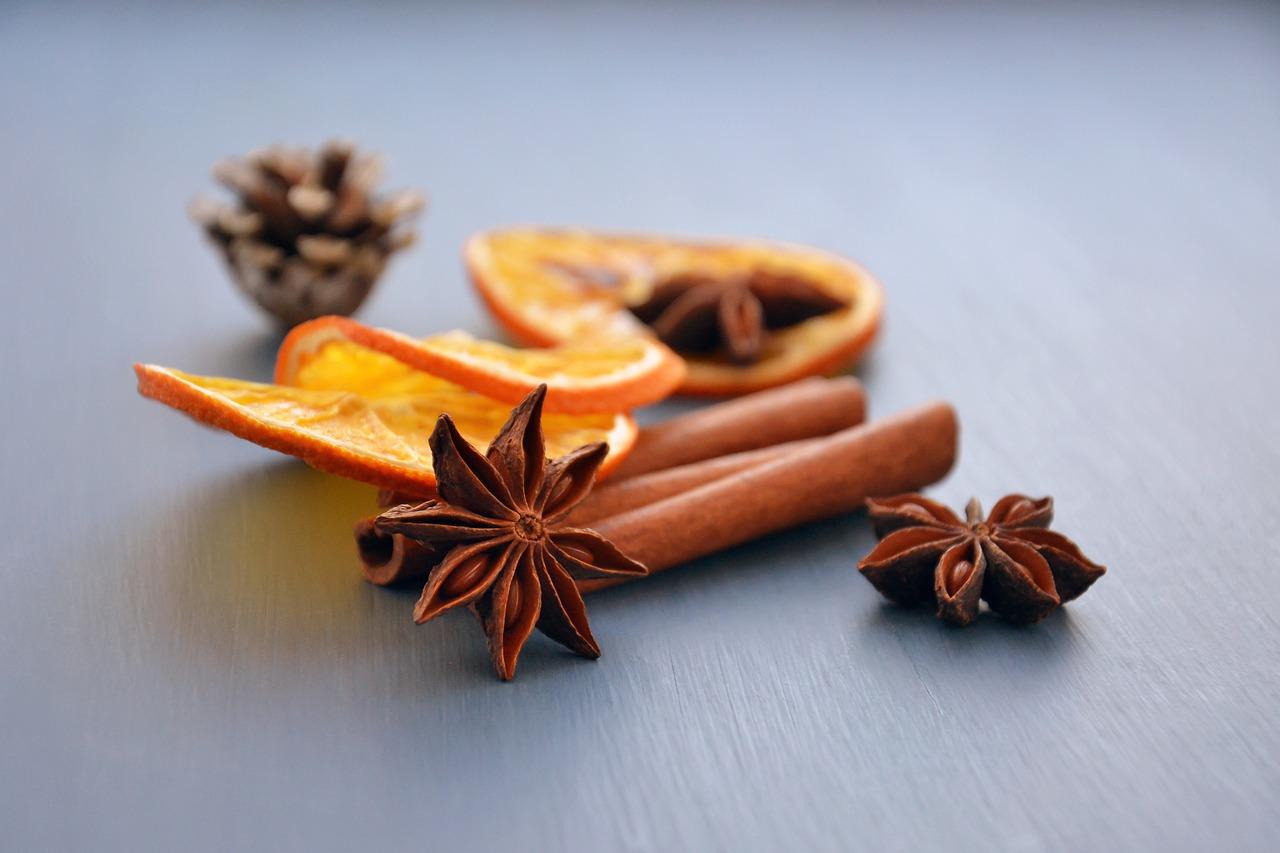 Getrocknete Orangenscheiben Zimt Anis