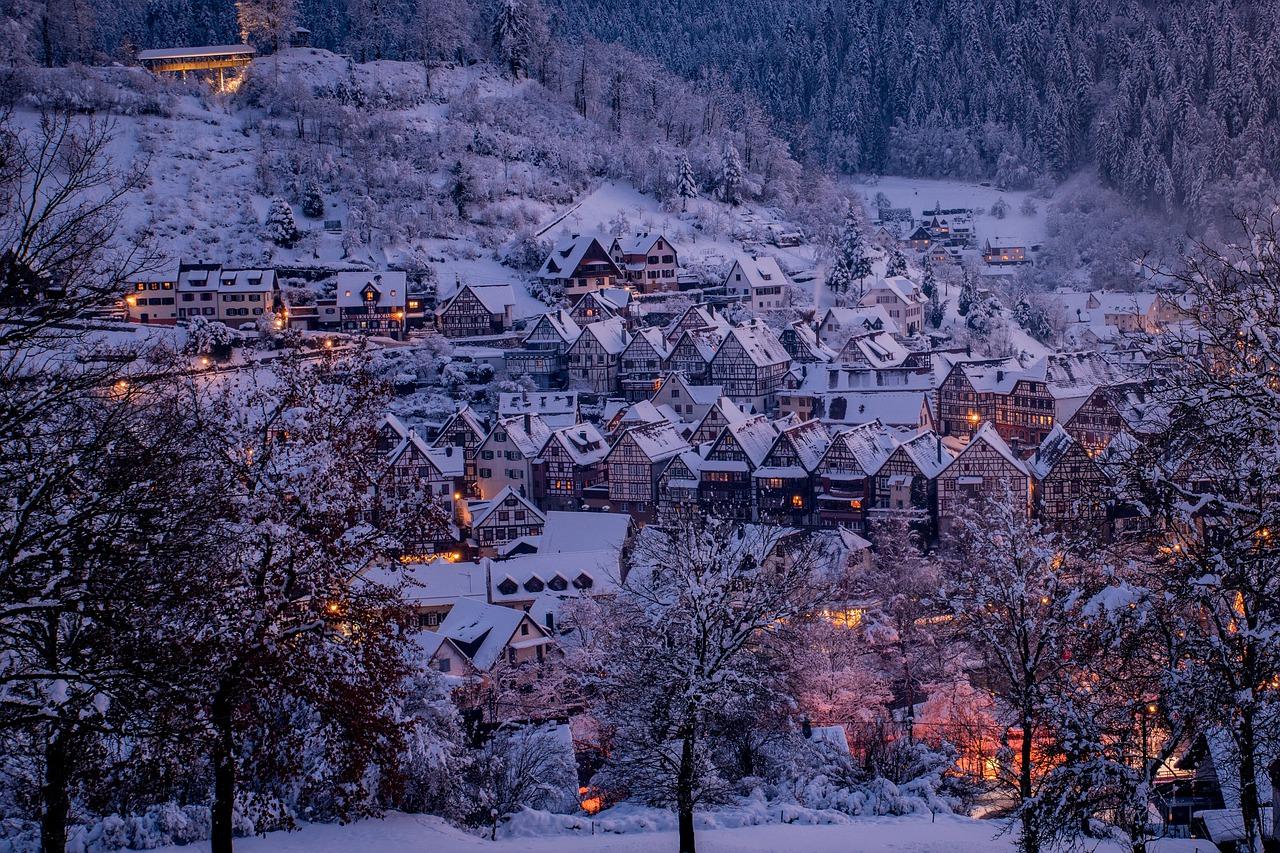 Verschneites Dorf Häuser Winter
