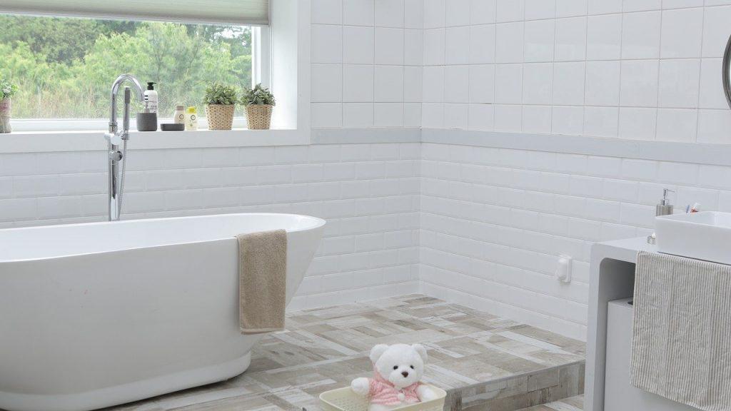 Badezimmer Badewanne Waschbecken