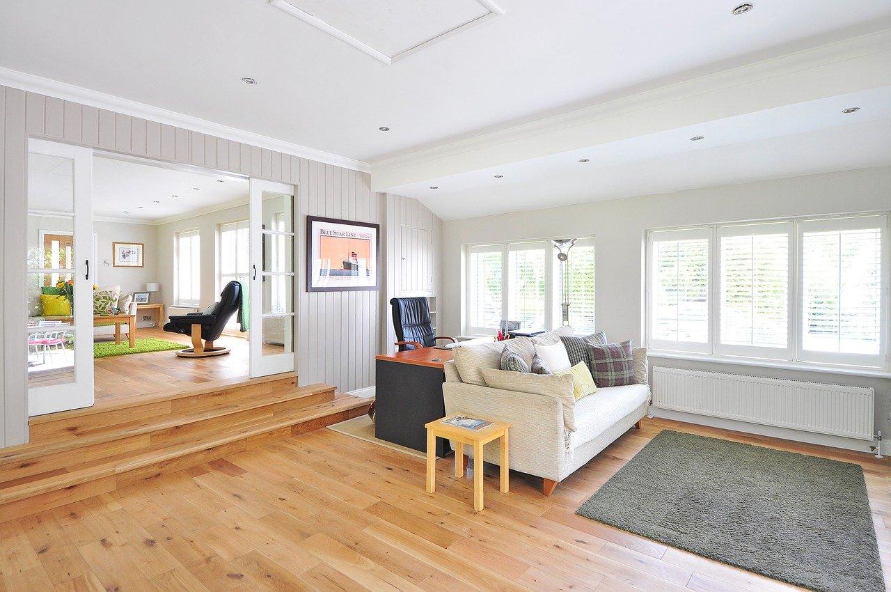 Holzboden Wohnzimmer hell
